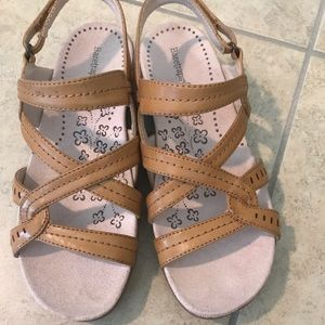 Baretraps -Super comfy (size 6) never worn